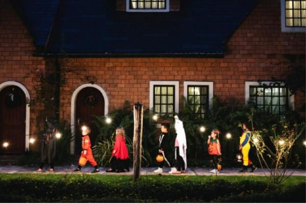 Halloween Safety Stay Well Lit Resized
